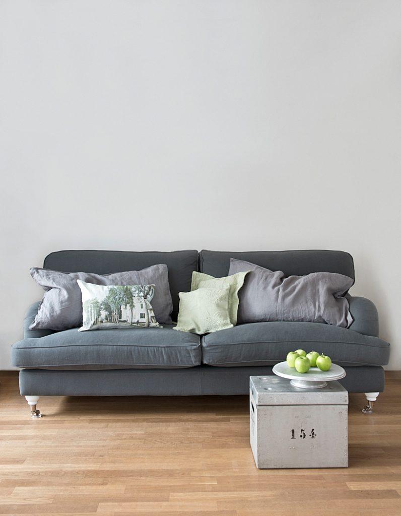 Sofa in grau ist cool und edel