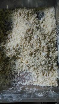 Tepung terigu yg telah dicampur (sisa setelah dilumuri ke jamur)