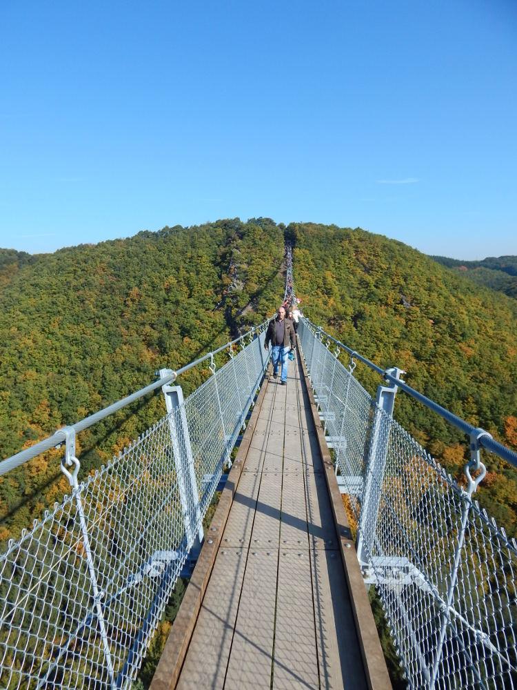 Die Geierlay im Hunrück, zweitgrößte Hängebrücke in Deutschland.