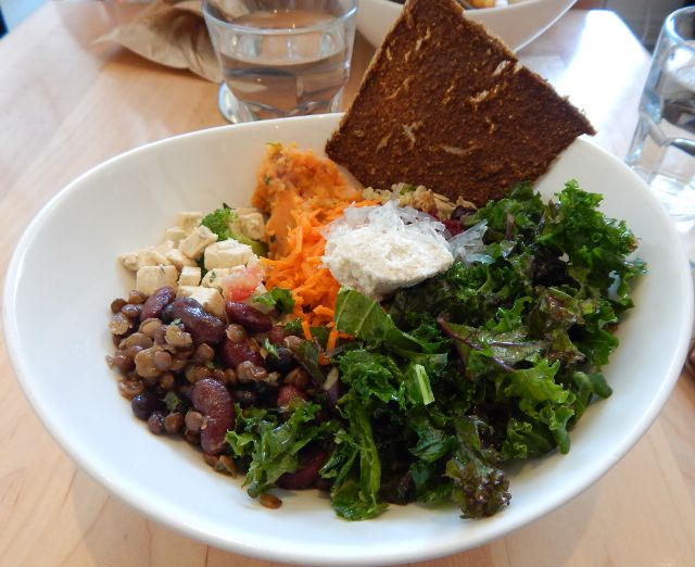 Salat, vegan Kensington Essen in Toronto