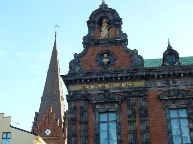 Malmö Rathaus und Petrikirche