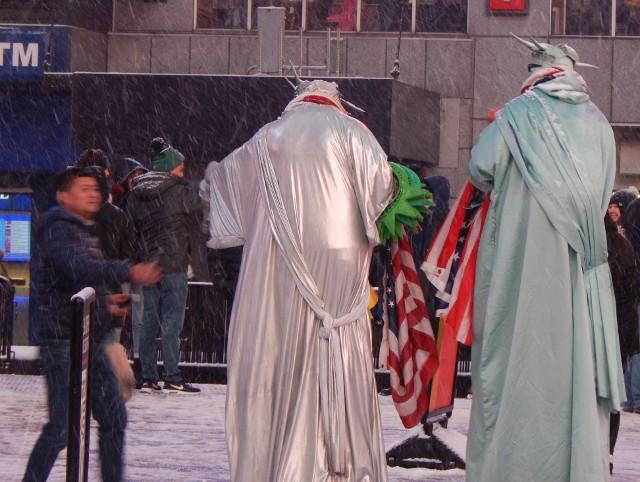 Freiheitsstatue im Schnee