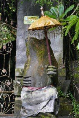 Statue Frosch mit Schirm Ubud