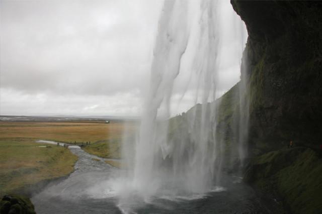 Der Seljalandsfoss in Island