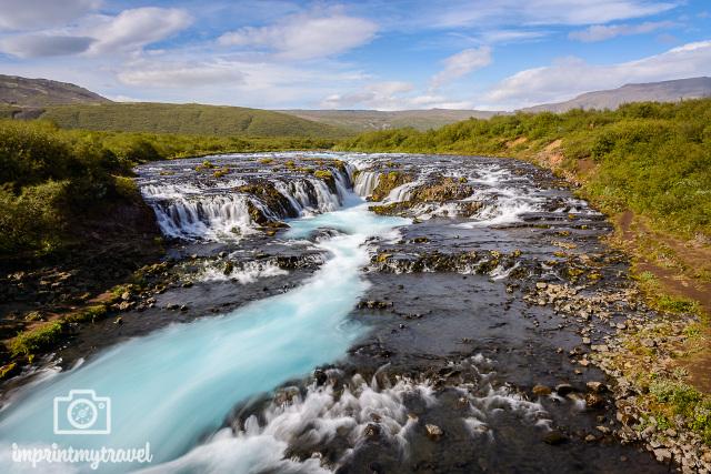 Der Bruarfoss Wasserfall in Island.