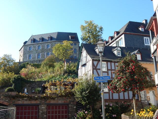 Die Burg Kastellaun im Herbst