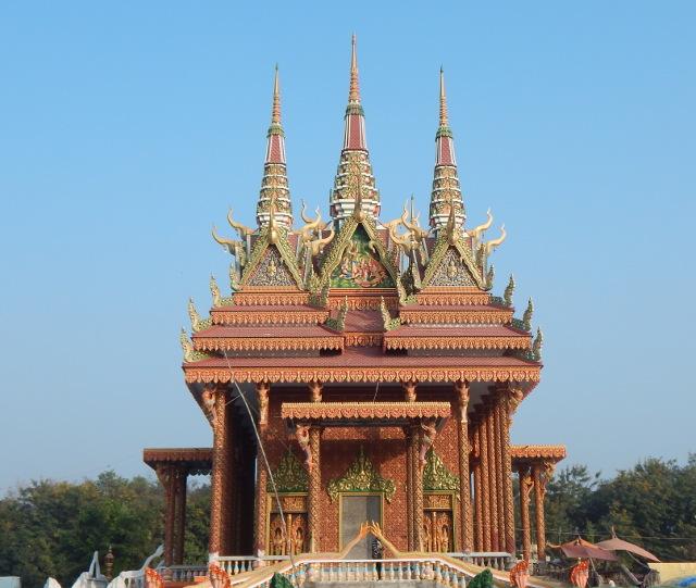 Kambodschanischer Tempel im Friedenspark in Lumbini, Nepal.