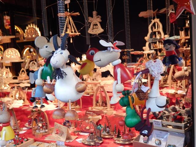 Weihnachtsgeschenke vom Weihnachtsmarkt in Hamburg.