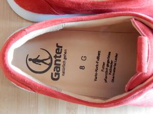 Bequeme Schuhe mit Fußbett und Einlagen