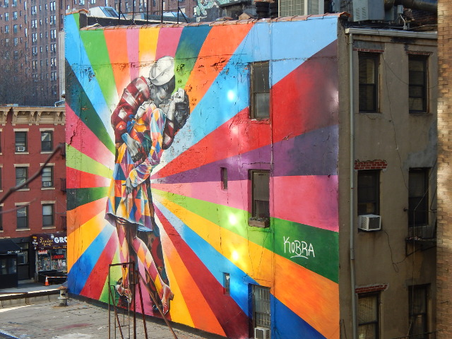 Kiss in Times Square von Kobra, Street art in New York
