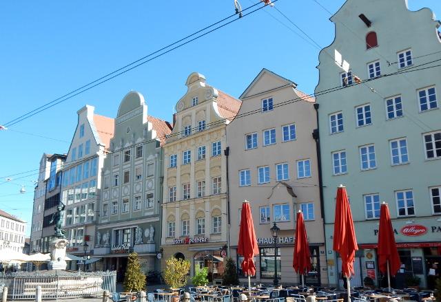 Sehenswürdigkeiten Augsburg, die Häuser am Moritzplatz.