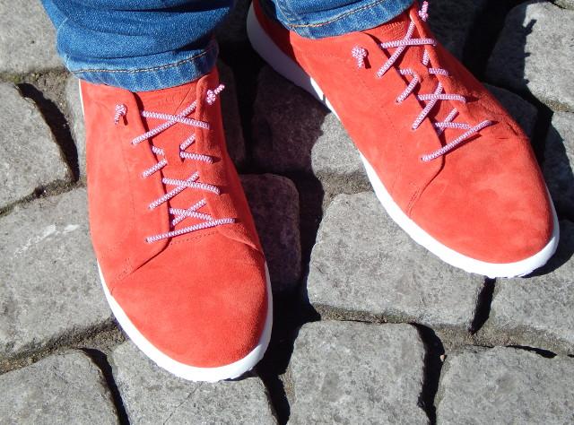 Ganter Schuhe, auch bei Kopfsteinpflaster bequem.