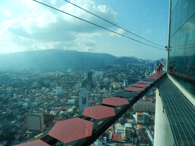 GravityZ - Hochseilgarten auf dem Komtar Building in Penang Malaysia