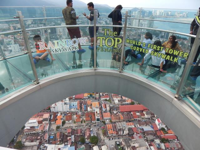 Der Skywalk des Komtar in Penang Malaysia Aussichtspunkte.