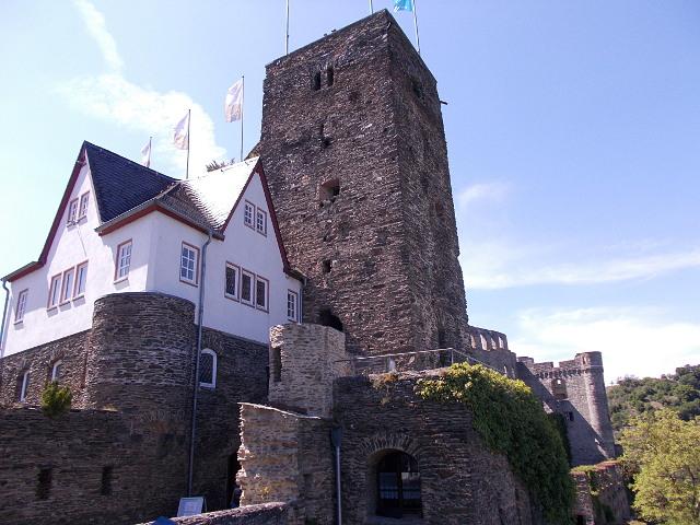 Der Eingang zur Burg Rheinfels in Sankt Goar