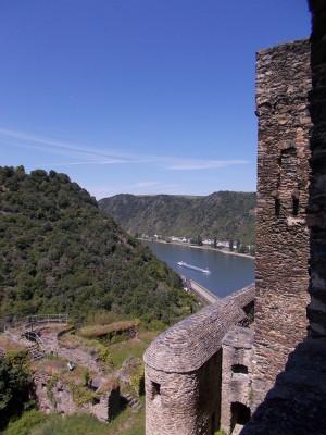 Seitlicher Blick auf den Rhein