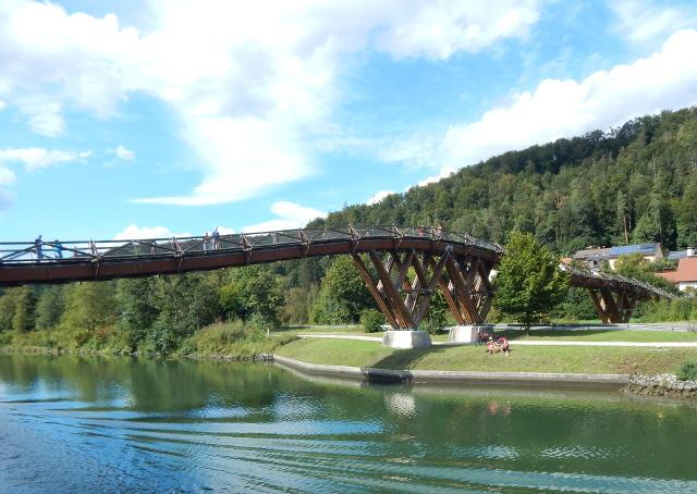Die Holzbrücke Tatzelwurm bei Essing