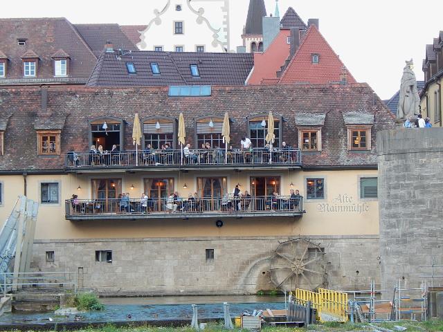 Balkon der Alten Mainmühle in Würzburg am Main