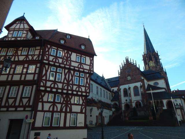 Die Stiftsbasilika in Aschaffenburg