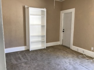 how to stage a bookcase vignette