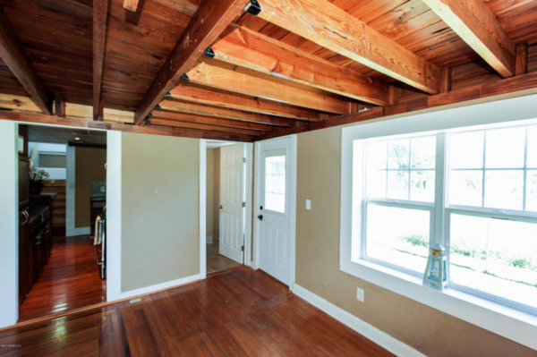 staging an awkward home with low ceilings (3)