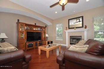 home staging should be done before listing