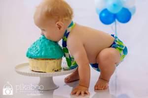 Cake smash baby photography pikaboo