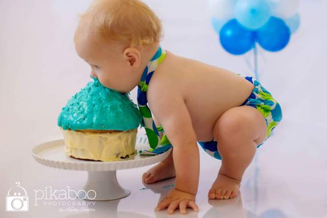 Cake smash baby photography pikaboo