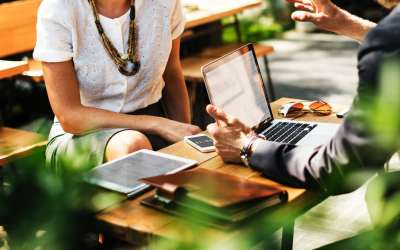 5 Ways To Deal With A Micromanaging Boss