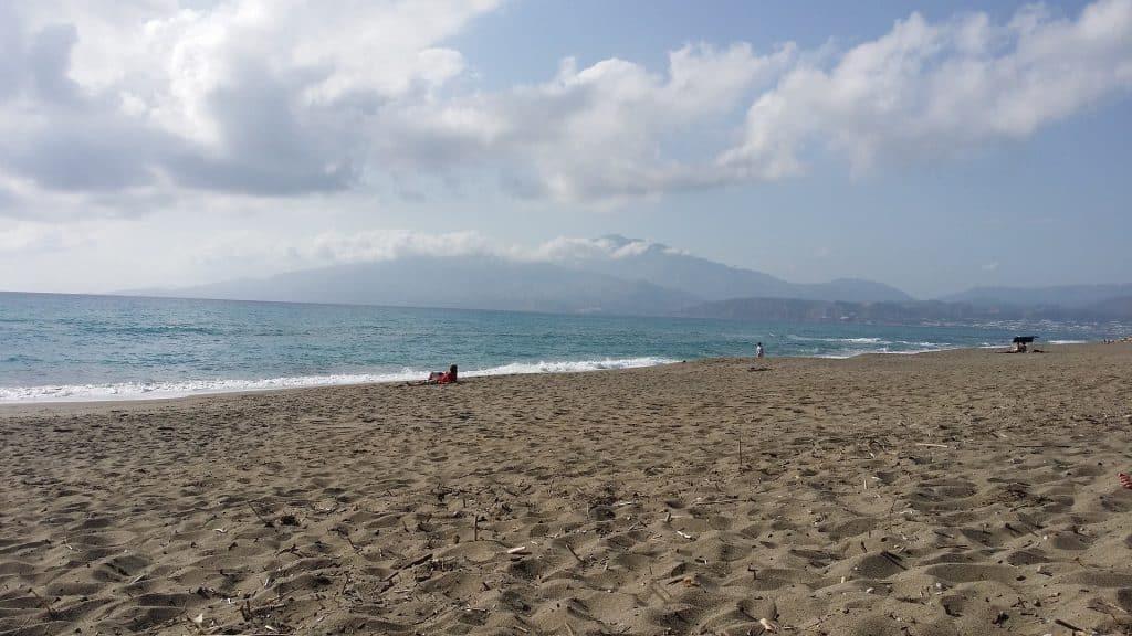 best beaches in crete, chania crete beaches, chania greece beaches, best beaches in chania crete, maleme beach