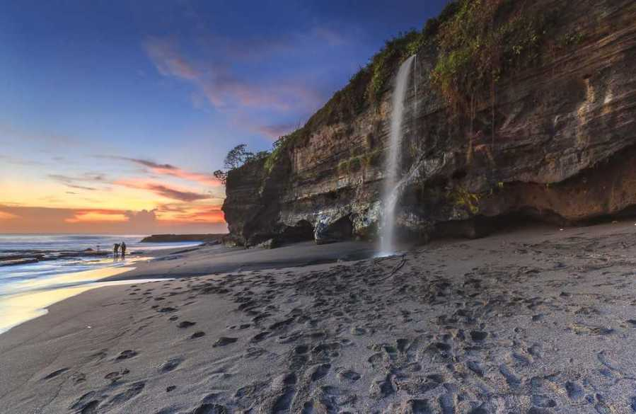 Melasti Beach Uluwatu
