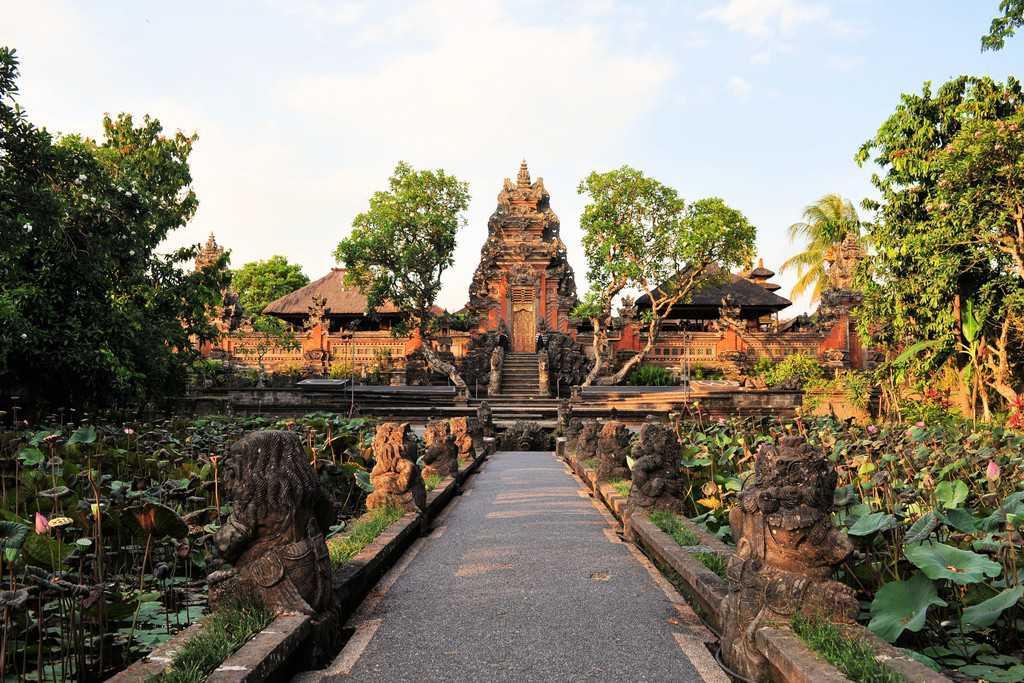 Saraswati temple, ubud water palace