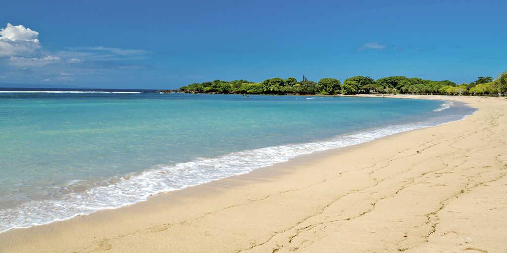 samuh beach nusa dua bali