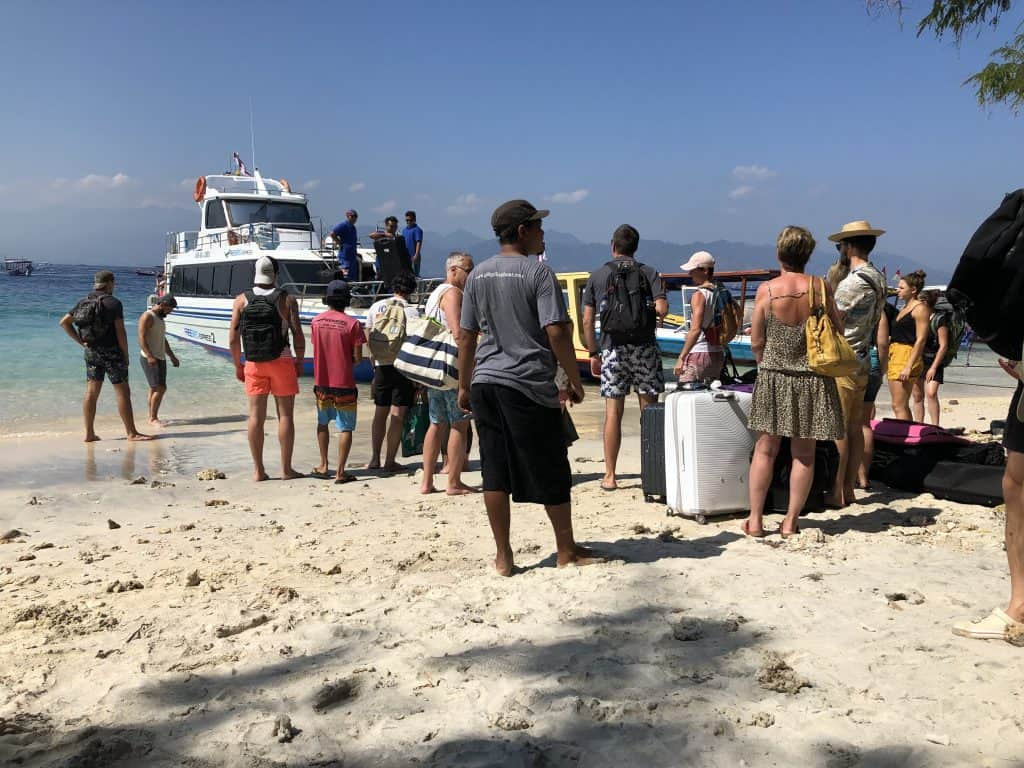 Passangers boarding on Gili T