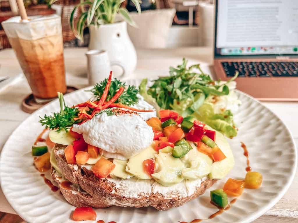 Best Canggu Cafes to eat & work
