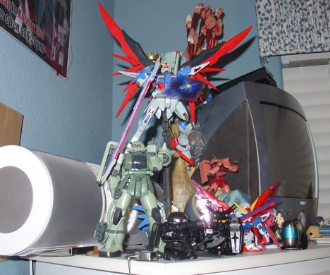 Photo Friday: Gundam Models (1/2)