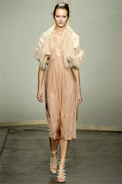Donna Karan Spring 2013 New York Fashion Week Show
