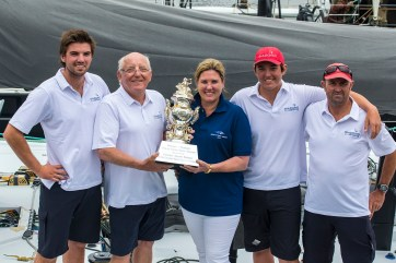 left: Nikolas, Jim, Kate, James Delegat and Steve Cotton Giacomo VO70 second line honours and Tattersall's Cup winner (on handicap) in the 2016 Rolex Sydney to Hobart yacht race with a time of 1 day 15hrs 27min 4sec 29/12/2016 ph. Andrea Francolini