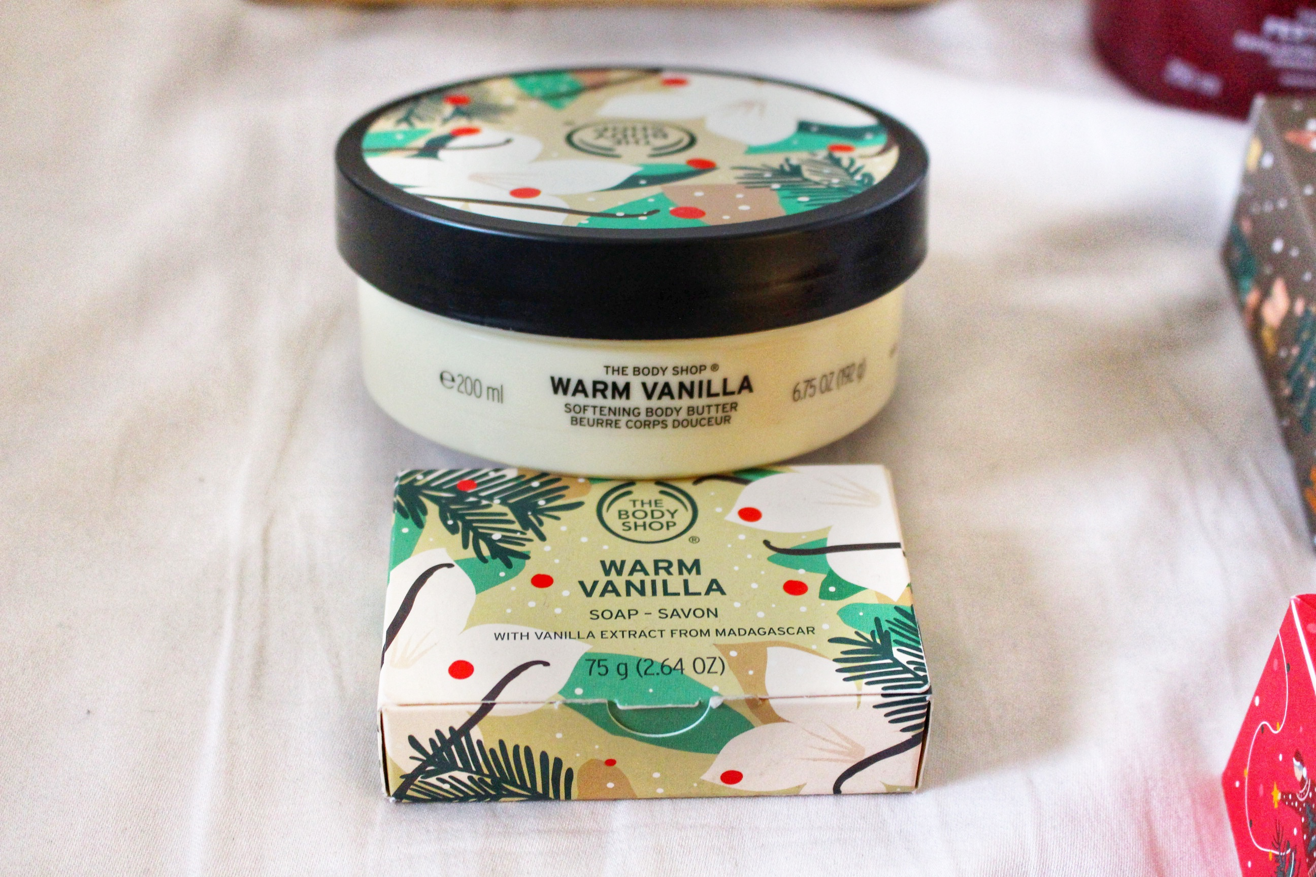 warm-vanilla-soap-body-butter-the-bodyshop-red-fragrant-christmas-gift-guide-raychel-says