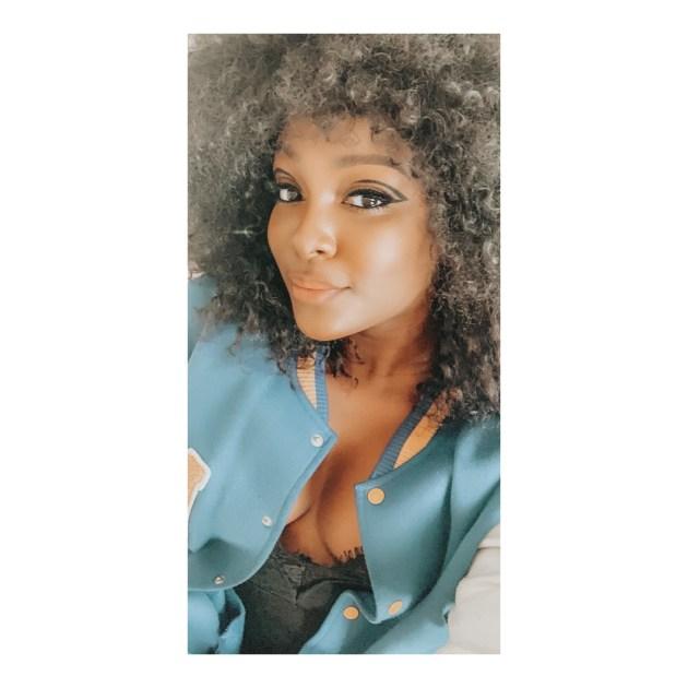 afro-hair-black-girl-graphic-eyeliner-black-eye-liner