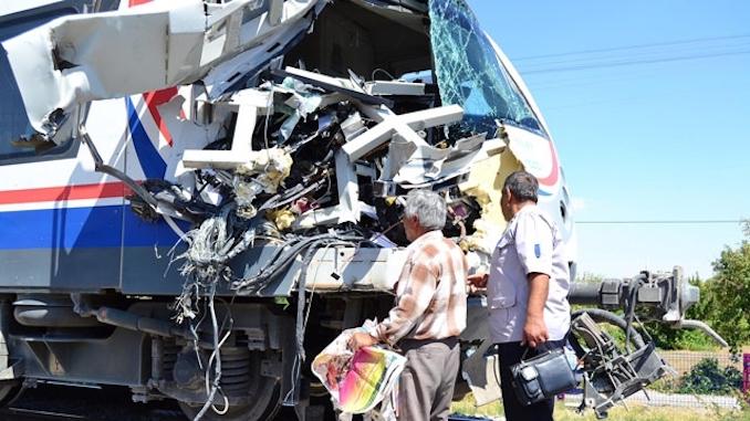 konya accelerated train crash