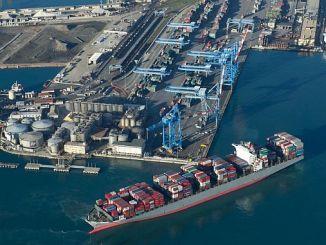 εγκατάσταση εγκαταστάσεων ηλεκτροκίνησης στη γραμμή λιμάνι