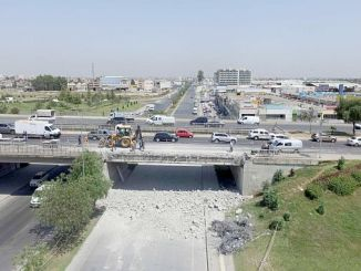 d Ο αυτοκινητόδρομος 400 διακόπτεται λόγω εργασιών επισκευής