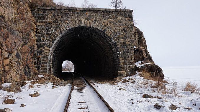 سكة حديد الثلج عامل مدرب 2