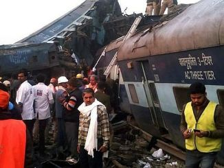 India train crash 100