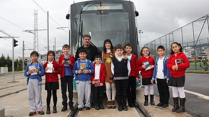 kitap kokulu tramvaylar