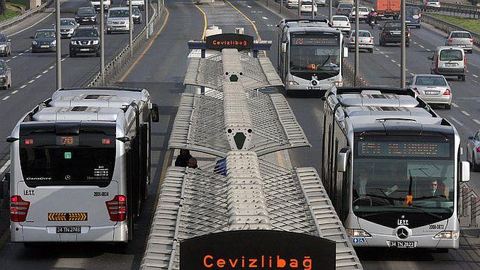 metrobusun arizali asansor ve merdivenlerinde onarim basliyor