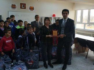 oguz ရသောအချိန်သည်ဆောင်းကာလအဖုံးရေလွှမ်းမိုး esya ၏ချစ်သူများထံမှကျောင်းသားများအားတိုးလာ