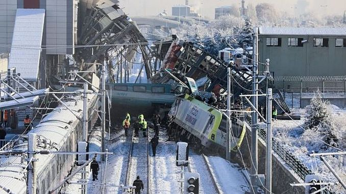 akpli aydin unaldan admits train crash