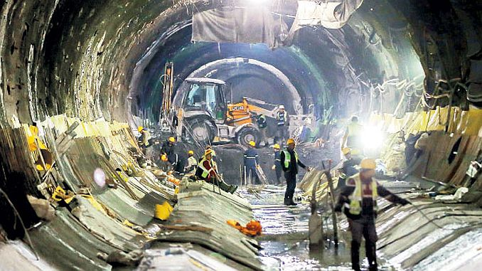3 thousand workers working in kabatas mahmutbey subway line 1